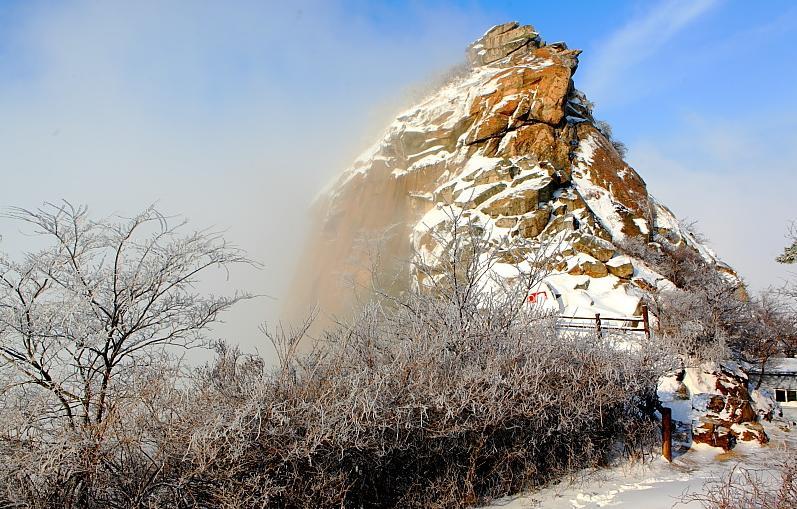 鸡公山迎来2012年冬季的第一场雪
