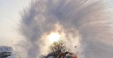 俄罗斯的冬天有多残酷,最冷到零下70度,鸡